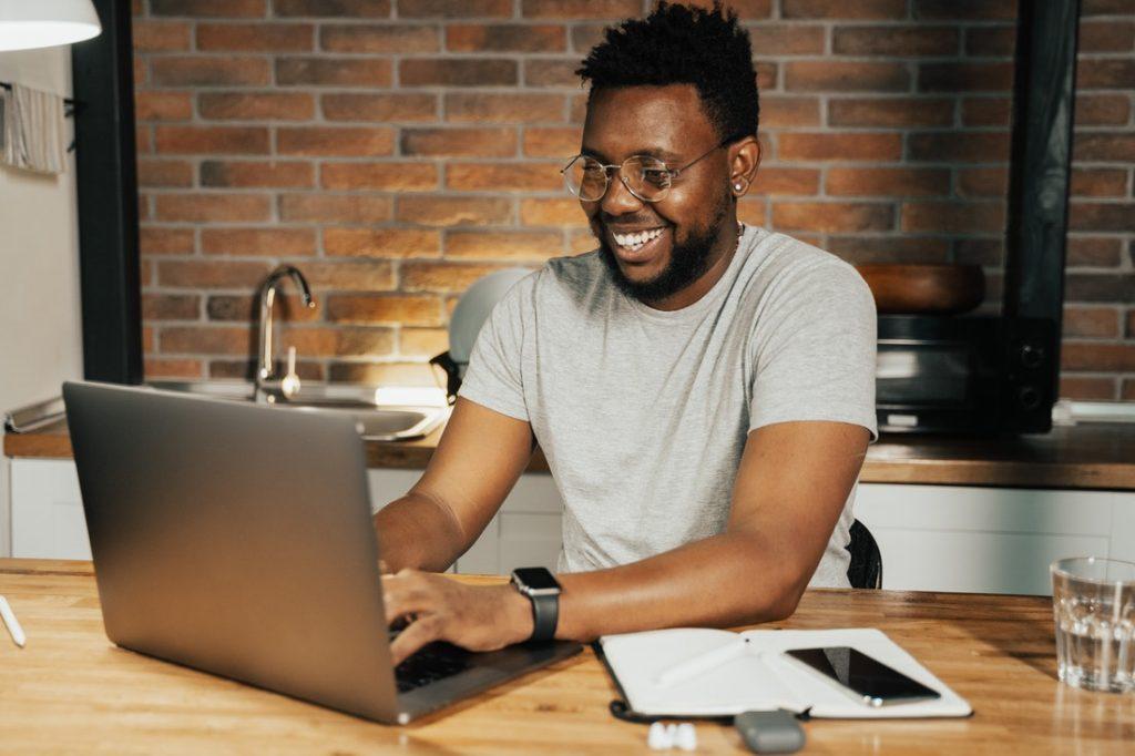 Consultant SEO : fiche métier, études, diplômes, salaire et formation